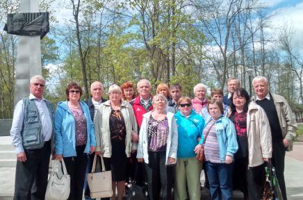 Группа читателей на экскурсии